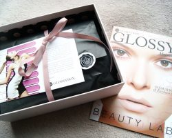 GLOSSY BOX DE SEPTEMBRE CéLéBRE L'INNOVATION